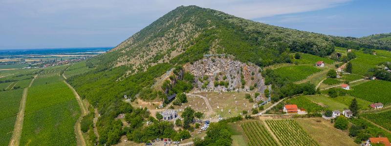 V sochařském parku byla otevřena panoramatická promenáda